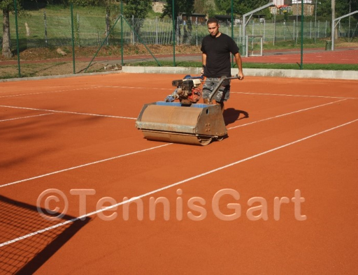Tennisplatzpflege Anleitung Tennisplatzbau Walzen