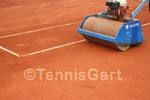 Frühjahrsinstandsetzung Tennisplatzbau Walzen